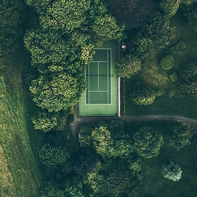 tennisbaan-400×400-compr